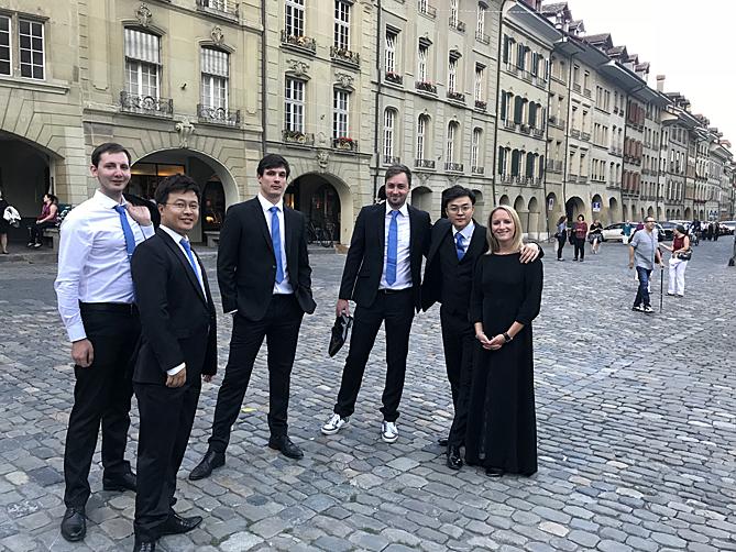 Kollegen-vor-dem-Konzert-for-web