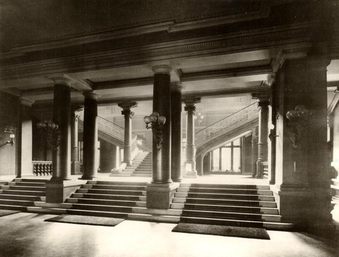 Neues-Gewandhaus-1884-Treppenhaus-Unteres-Foyer-for-web