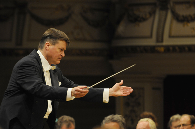 5437_Thielemann-for-web