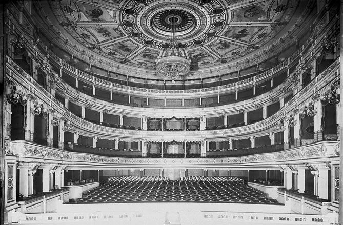Neues-Theater-Leipzig-Zuschauerraum-for-web
