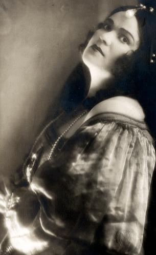 Margarete-Baeumer-als-Donna-Anna-in-Don-Giovanni-Leipzig-for-web